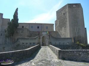 Castello_di_Melfi3[1]