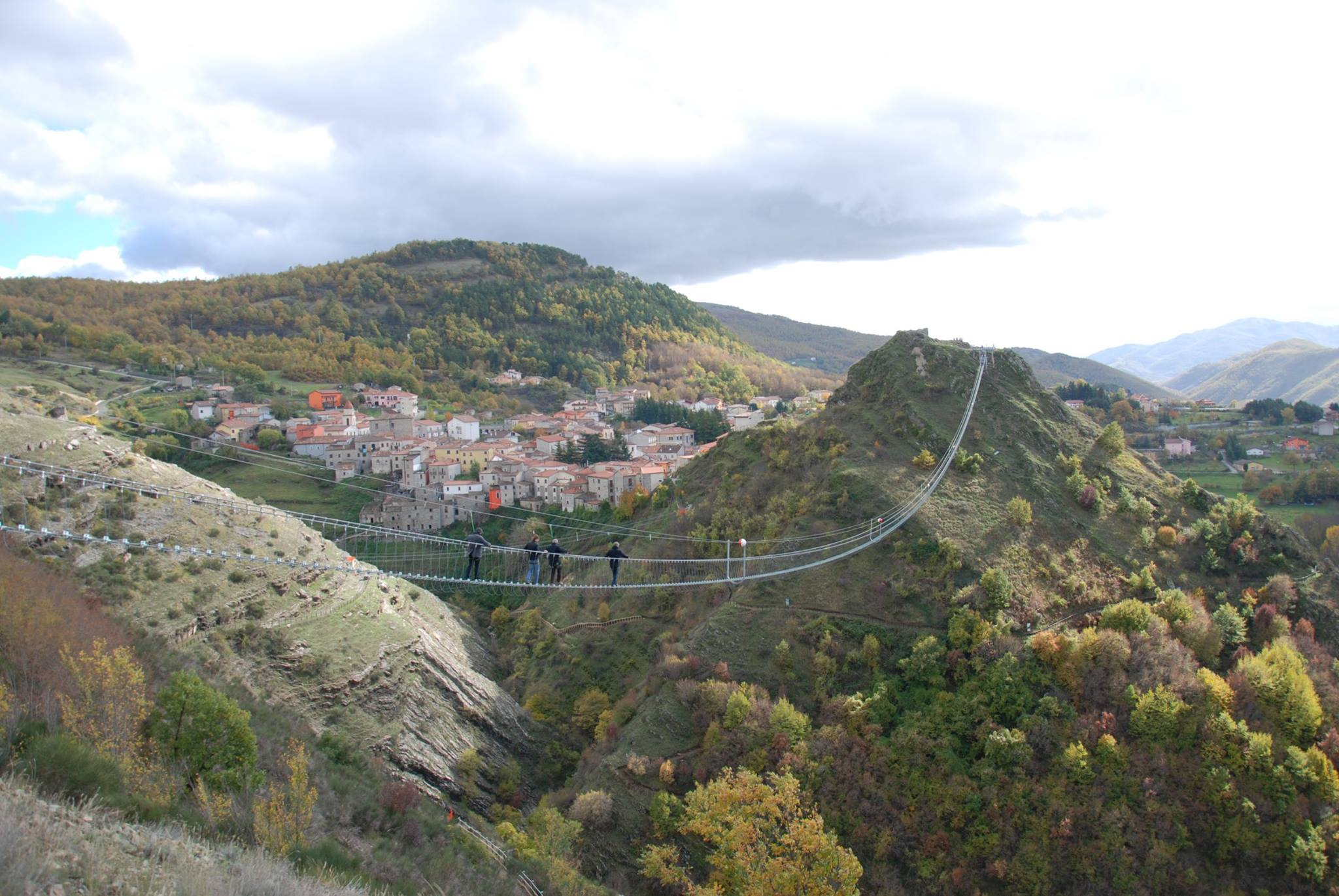 Ponte alla luna sasso di castalda gioved il taglio del for Piani di progettazione di ponti gratuiti