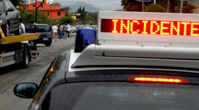Incidenti stradali: impatto auto-moto, un morto nel barese