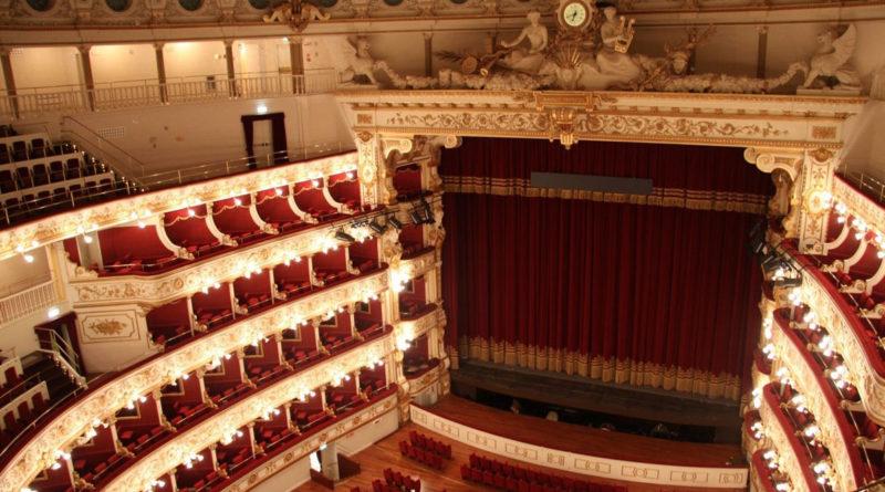 """3000 spettatori per primo concerto in streaming al """"Petruzzelli"""" di Bari"""