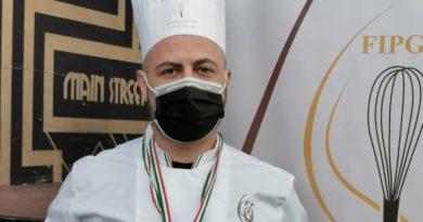 Il maitre pasticcere montalbanese Domenico Lopatriello, medaglia d'oro nel concorso Miglior Panettone del Mondo 2020