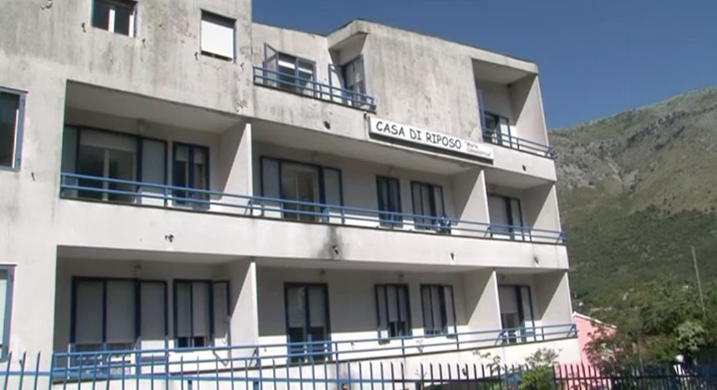 I dipendenti della casa di riposo 39 maria consolatrice 39 di for Piano casa casa di sciopero seminterrato