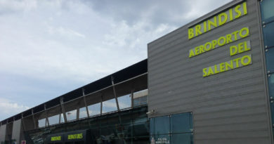 Scoperta valuta non dichiarata per 400mila euro presso l'aeroporto di Brindisi