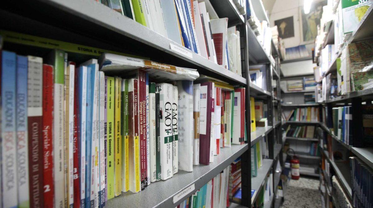 Libri scolastici marted incontro a fasano fra esercenti for Libri di testo scolastici