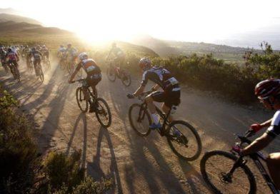 """Ciclista cade durante gara """"Mediofondo Castel del Monte"""""""