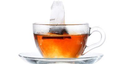 Bere una tazza di tè ogni giorno fa bene al cervello, secondo gli scienziati inglesi